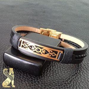 دستبند چرم طبیعی طرح پلاک طلا